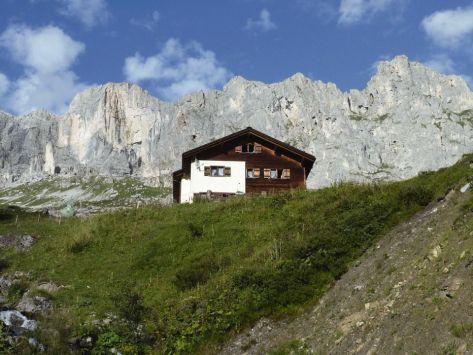 Alpenrösli, von unten, Hütte, Gasthaus, Unterbringung, Verpflegung, Beherbergung